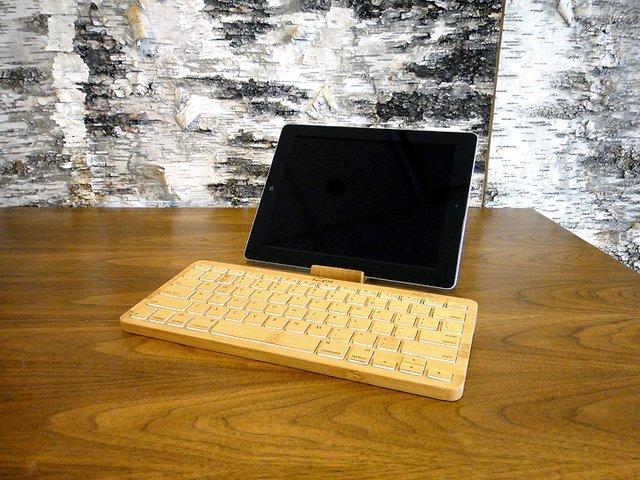 iZen Bamboo Bluetooth Keyboard